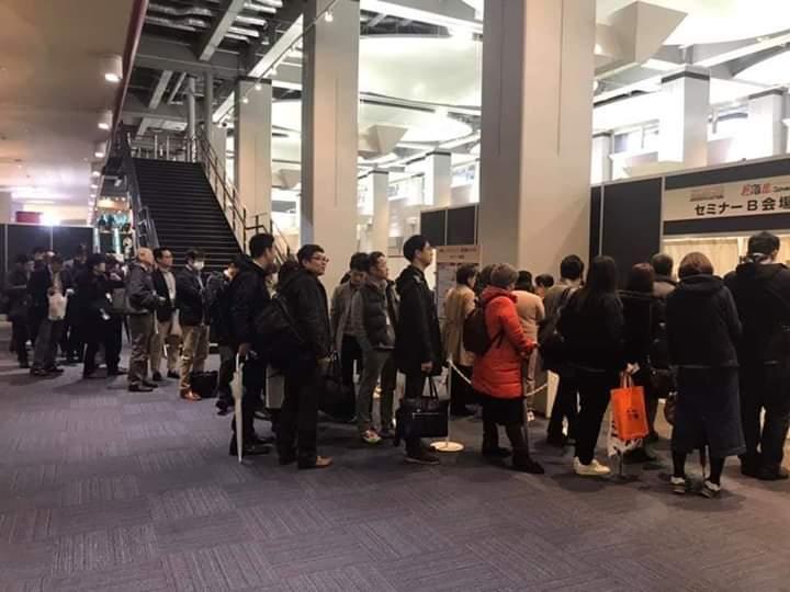 開場前に行列ができるほど人気のセミナーも(大阪会場)